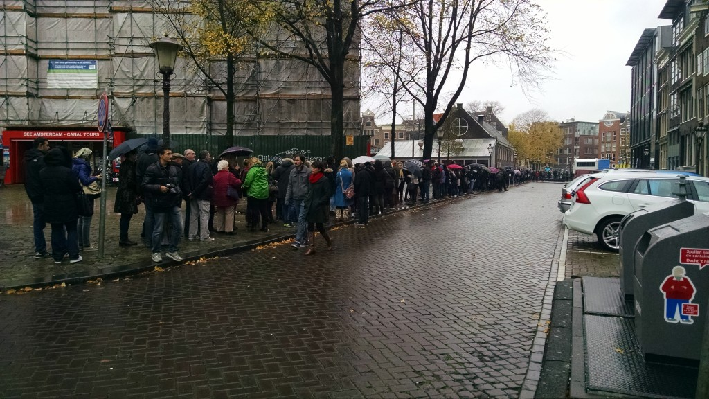 Line to get into Anne Frank