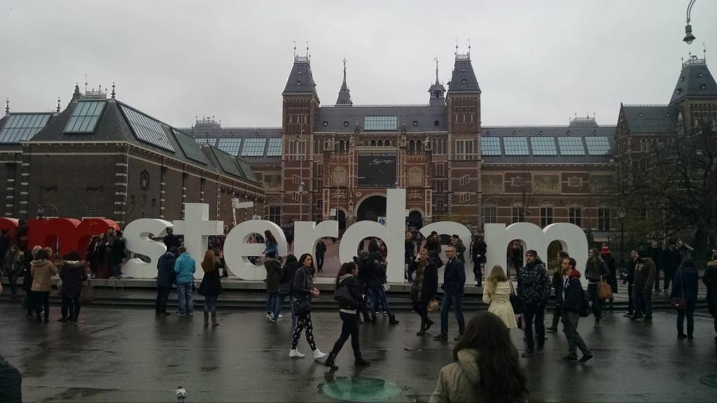 Rijksmuseum in Museum Square